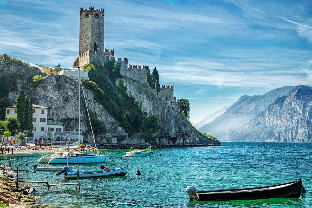 Dormire in Barca sul Lago di Garda